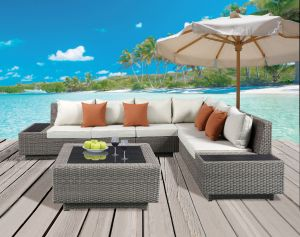 Salena Outdoor Sectional & Cocktail Table