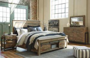 Sommerford Bedroom Collection - Footboard Storage